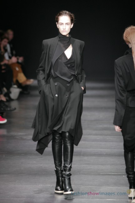 ann-demeulemeester-paris-fashion-week-autumn-winter-2014