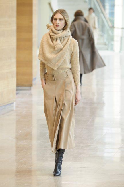 a52725601793 8-christophe-lemaire-paris-fashion-week-autumn-winter-