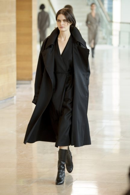 8-christophe-lemaire-paris-fashion-week-autumn-winter-2014-26