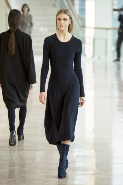 8-christophe-lemaire-paris-fashion-week-autumn-winter-2014-30