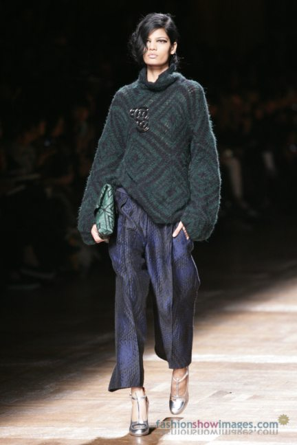 dries-van-noten-paris-fashion-week-autumn-winter-2014-12