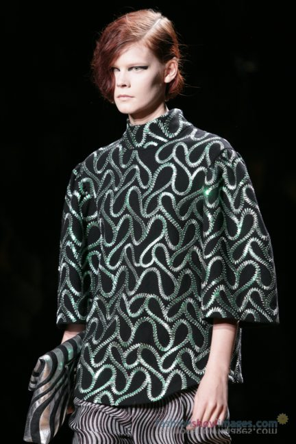 dries-van-noten-paris-fashion-week-autumn-winter-2014-23