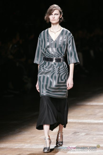 dries-van-noten-paris-fashion-week-autumn-winter-2014-24