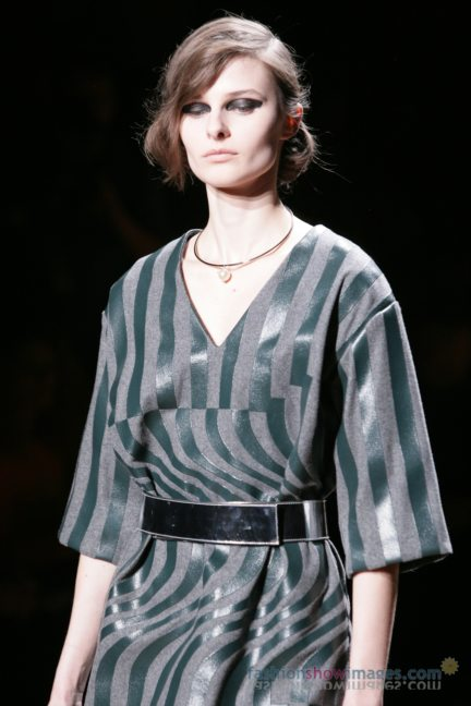 dries-van-noten-paris-fashion-week-autumn-winter-2014-25
