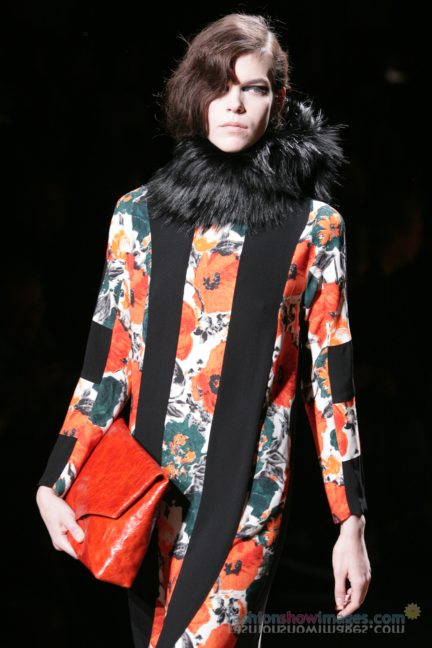 dries-van-noten-paris-fashion-week-autumn-winter-2014-31