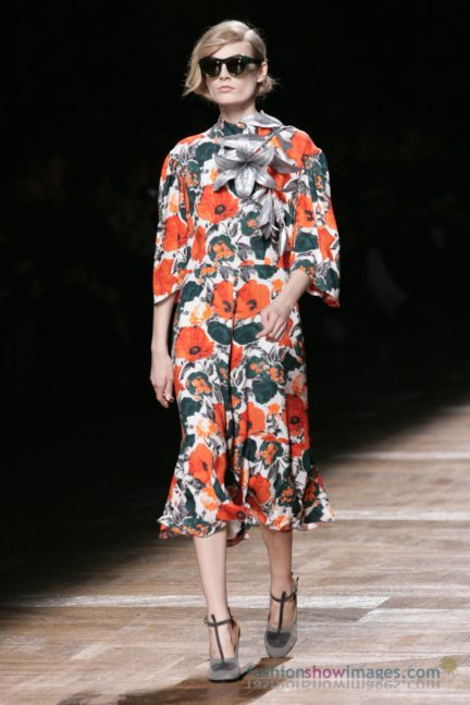 dries-van-noten-paris-fashion-week-autumn-winter-2014-34