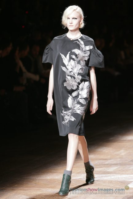 dries-van-noten-paris-fashion-week-autumn-winter-2014-41