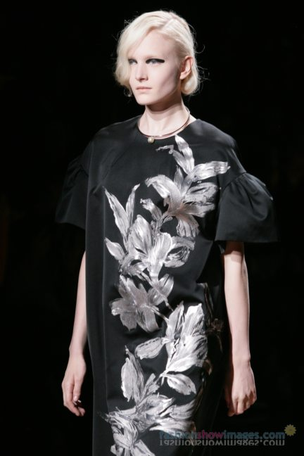 dries-van-noten-paris-fashion-week-autumn-winter-2014-42