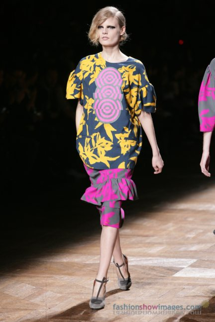 dries-van-noten-paris-fashion-week-autumn-winter-2014-70