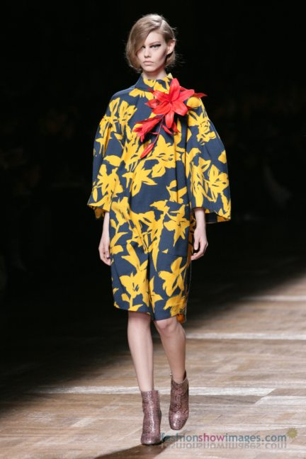 dries-van-noten-paris-fashion-week-autumn-winter-2014-72