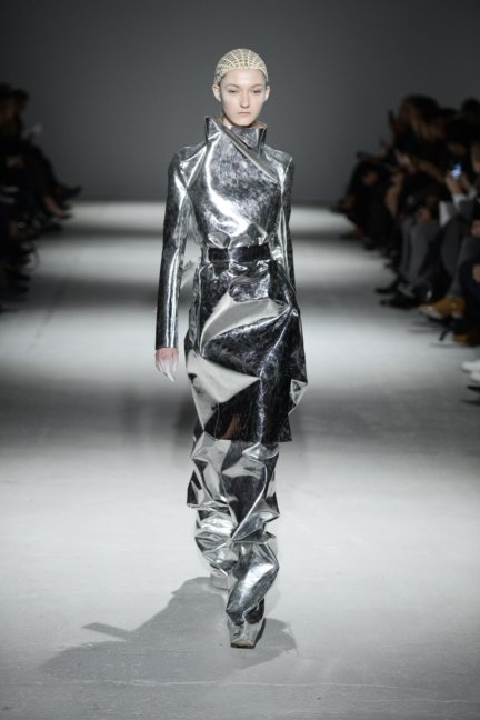gareth-pugh-paris-fashion-week-autumn-winter-2014-12