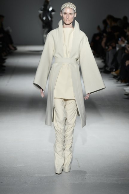 gareth-pugh-paris-fashion-week-autumn-winter-2014-15