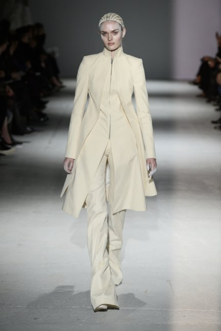 gareth-pugh-paris-fashion-week-autumn-winter-2014-27