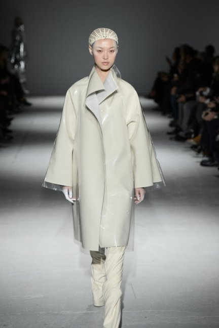 gareth-pugh-paris-fashion-week-autumn-winter-2014-29