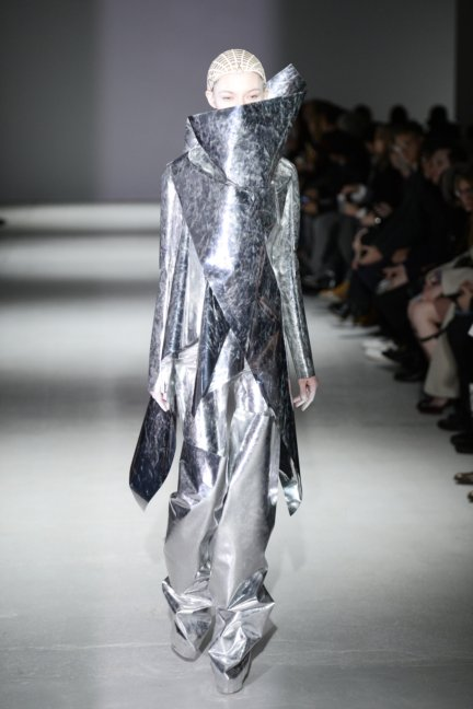 gareth-pugh-paris-fashion-week-autumn-winter-2014-30
