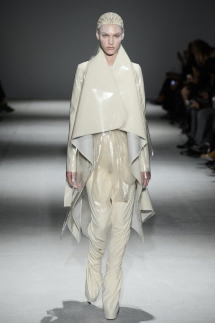 gareth-pugh-paris-fashion-week-autumn-winter-2014-33