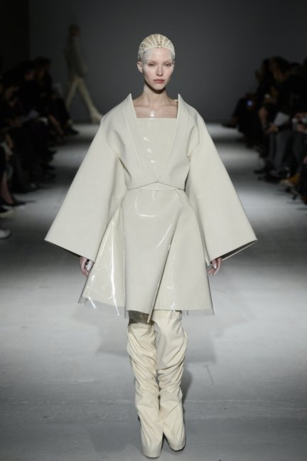 gareth-pugh-paris-fashion-week-autumn-winter-2014-34