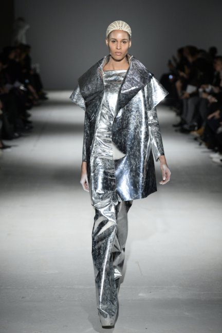 gareth-pugh-paris-fashion-week-autumn-winter-2014-36