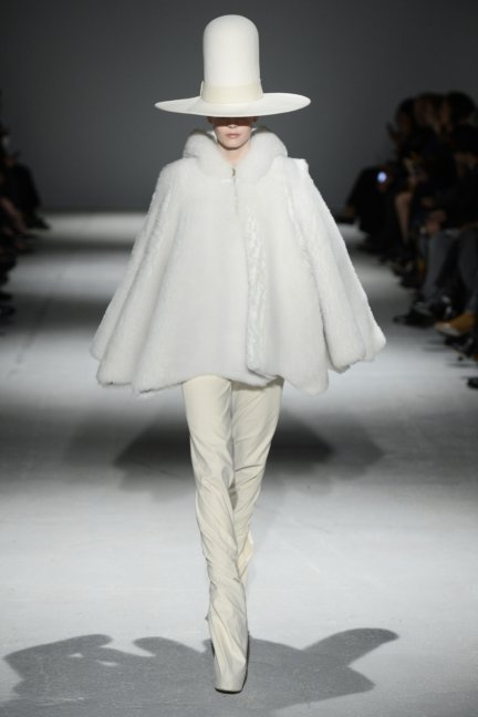 gareth-pugh-paris-fashion-week-autumn-winter-2014-41