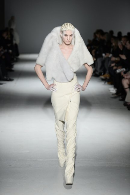 gareth-pugh-paris-fashion-week-autumn-winter-2014-5