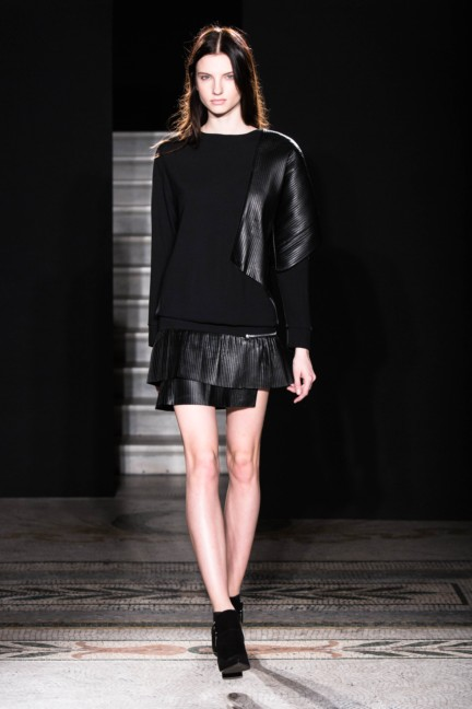jayahr-paris-fashion-week-autumn-winter-2014-12