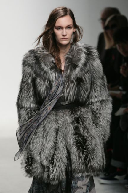 leonard-paris-paris-fashion-week-autumn-winter-2014-18