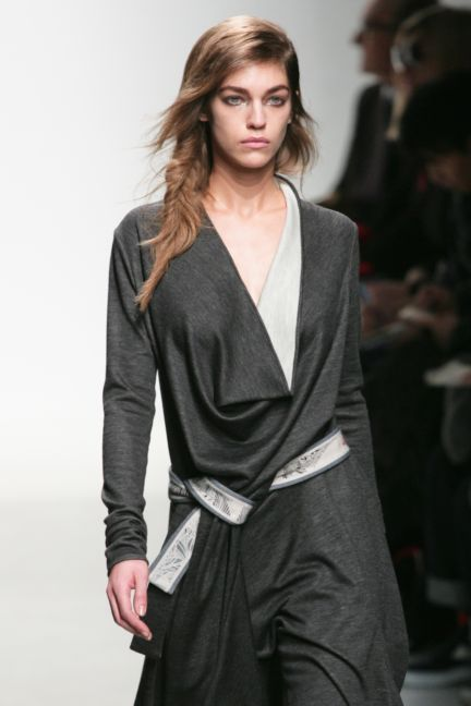 leonard-paris-paris-fashion-week-autumn-winter-2014-8
