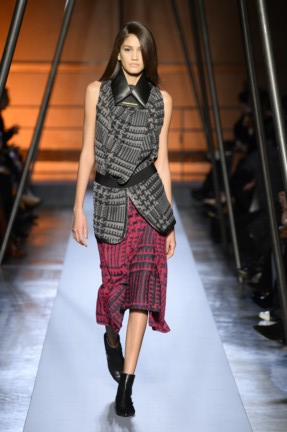 roland-mouret-paris-fashion-week-autumn-winter-2014-11
