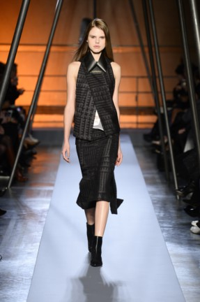 roland-mouret-paris-fashion-week-autumn-winter-2014-12