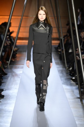 roland-mouret-paris-fashion-week-autumn-winter-2014-32