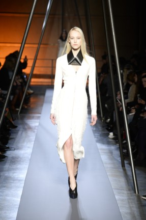 roland-mouret-paris-fashion-week-autumn-winter-2014-37