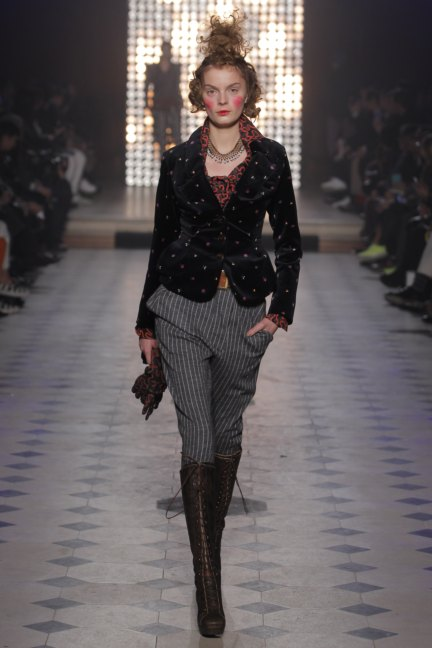 vivienne-westwood-gold-label-paris-fashion-week-autumn-winter-2014-24