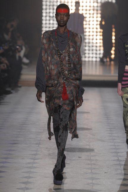 vivienne-westwood-gold-label-paris-fashion-week-autumn-winter-2014-3