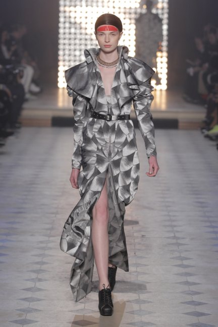 vivienne-westwood-gold-label-paris-fashion-week-autumn-winter-2014-35