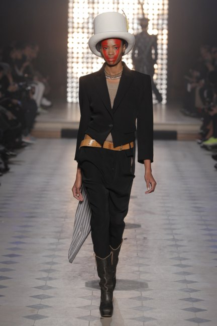 vivienne-westwood-gold-label-paris-fashion-week-autumn-winter-2014-37
