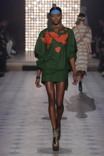 vivienne-westwood-gold-label-paris-fashion-week-autumn-winter-2014-18