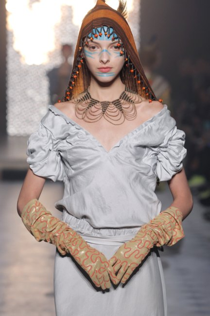 vivienne-westwood-gold-label-paris-fashion-week-autumn-winter-2014-27