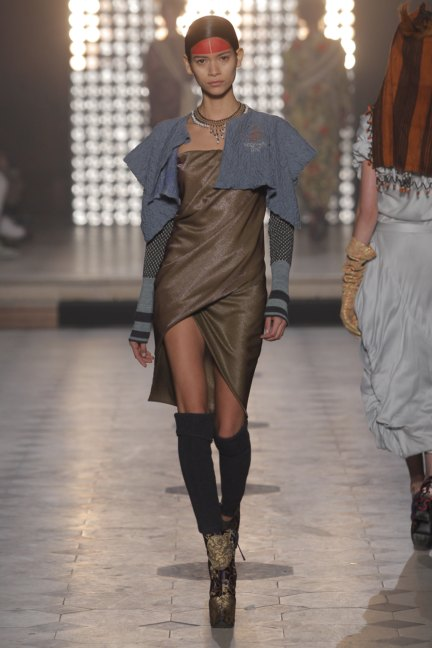 vivienne-westwood-gold-label-paris-fashion-week-autumn-winter-2014-28