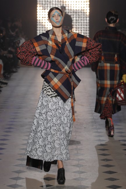 vivienne-westwood-gold-label-paris-fashion-week-autumn-winter-2014-47