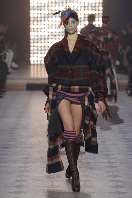 vivienne-westwood-gold-label-paris-fashion-week-autumn-winter-2014-49