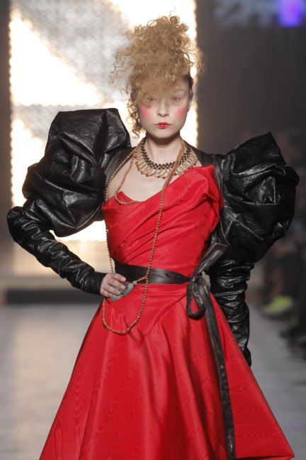 vivienne-westwood-gold-label-paris-fashion-week-autumn-winter-2014-68