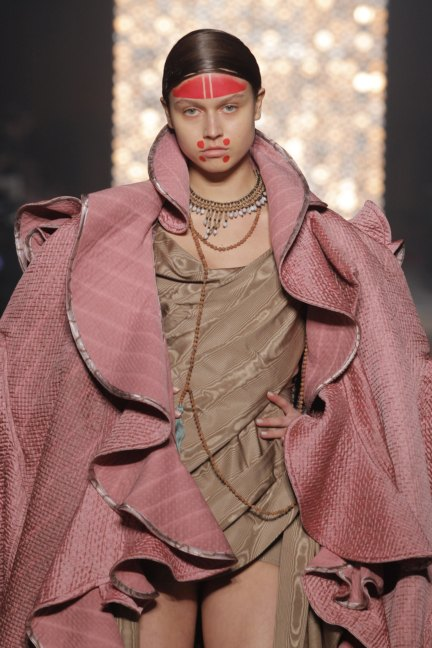 vivienne-westwood-gold-label-paris-fashion-week-autumn-winter-2014-70
