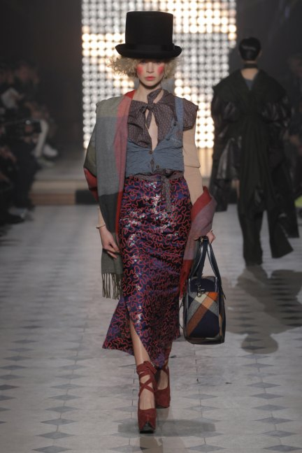 vivienne-westwood-gold-label-paris-fashion-week-autumn-winter-2014-9