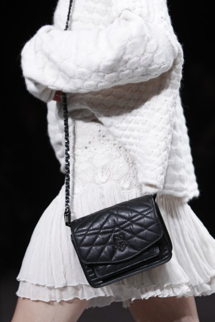 zadig-voltaire-catwalk-show-detail-paris-fashion-week-autumn-winter-2014-59