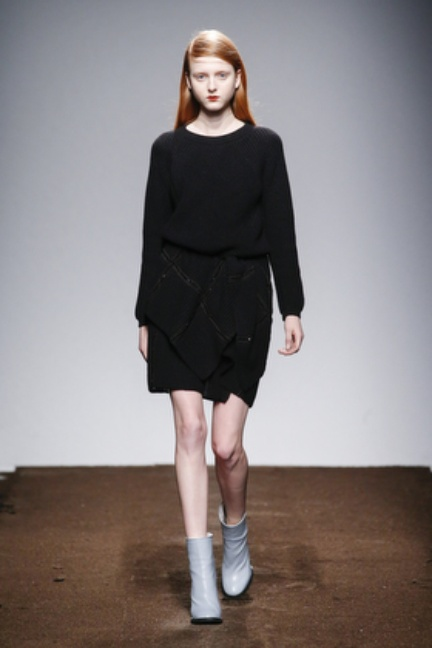 christian-wijnants-paris-fashion-week-autumn-winter-2015-looks-108