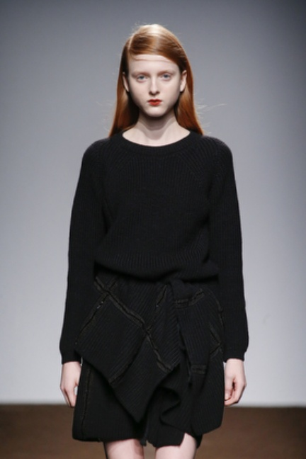 christian-wijnants-paris-fashion-week-autumn-winter-2015-looks-109
