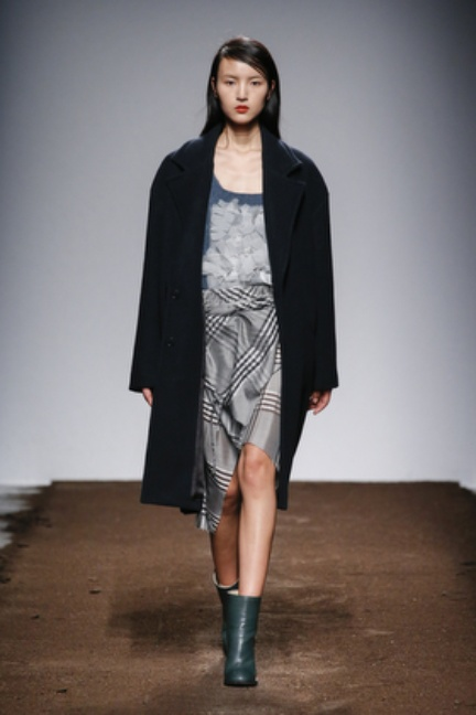 christian-wijnants-paris-fashion-week-autumn-winter-2015-looks-129