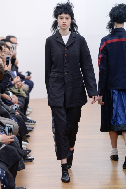comme-des-garcons-comme-des-garcons-paris-fashion-week-autumn-winter-2015-12