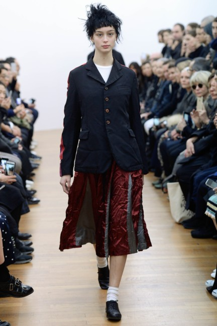comme-des-garcons-comme-des-garcons-paris-fashion-week-autumn-winter-2015-13