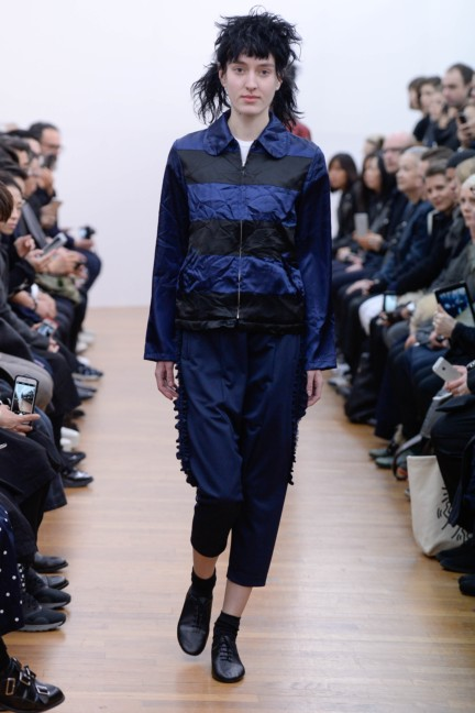 comme-des-garcons-comme-des-garcons-paris-fashion-week-autumn-winter-2015-15